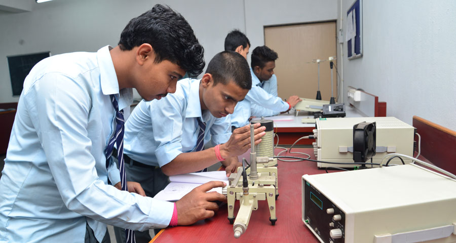 Electronics and Telecommunication Engineering Lab